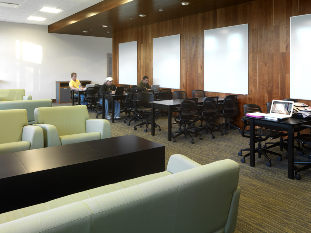 Third Floor Student Lounge
